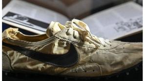 صُنع عام 1972.. بيع حذاء رياضي مقابل 347 ألف دولار
