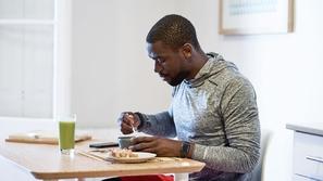 حيل صحية وبسيطة تساعدك على إنقاص وزنك أثناء البقاء في المنزل