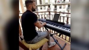 الحجر الصحي في إسبانيا يحارب كورونا بأغنية تايتنك الشهيرة