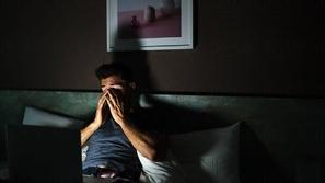 لماذا يجب التوقف عن مشاهدة أفلام الفيروسات والأوبئة؟ العلم يُجيب