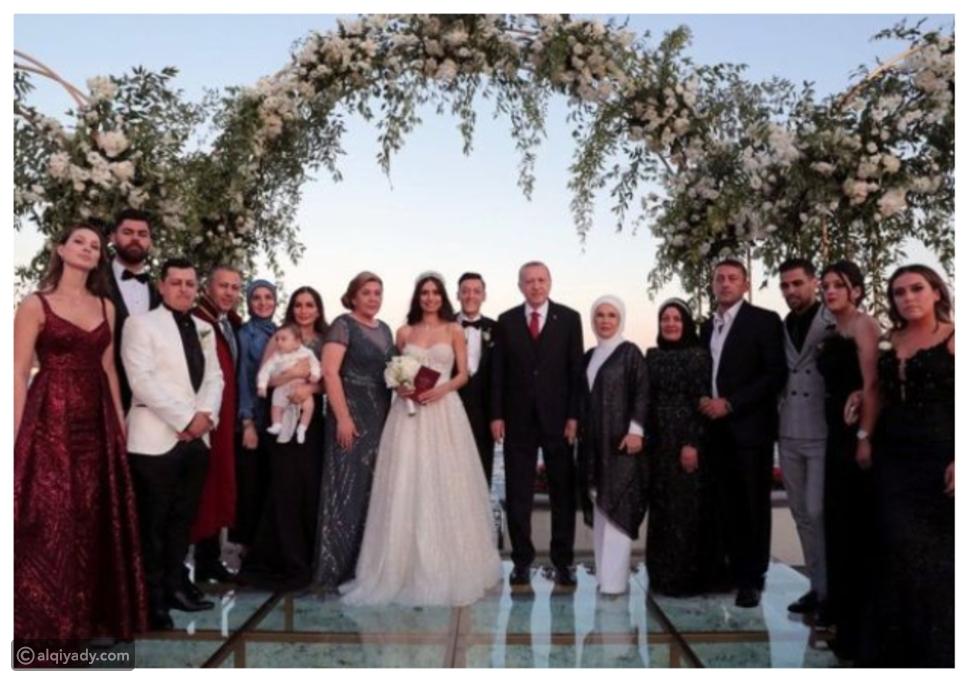 أردوغان يُثير الجدل في حفل زفاف أوزيل و أمينة غولشا