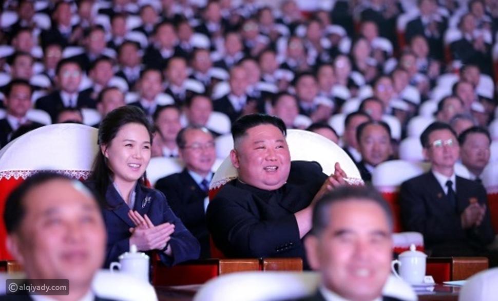 ظهور زوجة زعيم كوريا الشمالية لأول مرة منذ عام علناً