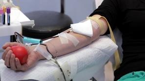 يحميك من الأمراض وقد ينقذ حياتك: فوائد ستعود عليك عندما تتبرع بالدم
