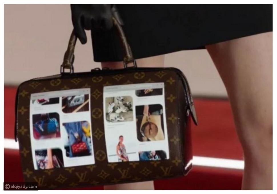 صور: لأول مرة.. حقائب بشاشات عرض