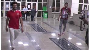 شبيه محمد صلاح يُحدث ضجة في كأس أمم أفريقيا: