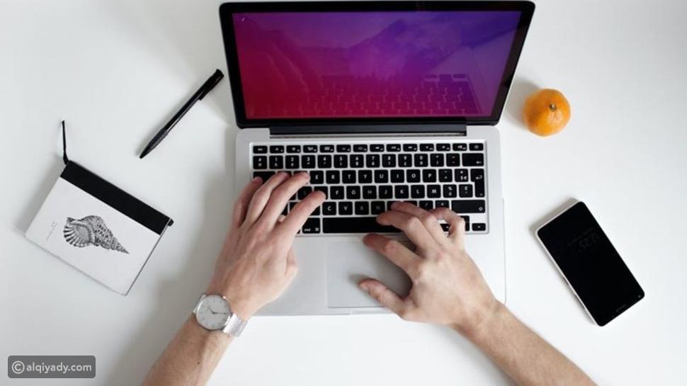 العثور على الوظيفة: 3 أخطاء في وسائل التواصل الاجتماعي سبباً لاستبعادك