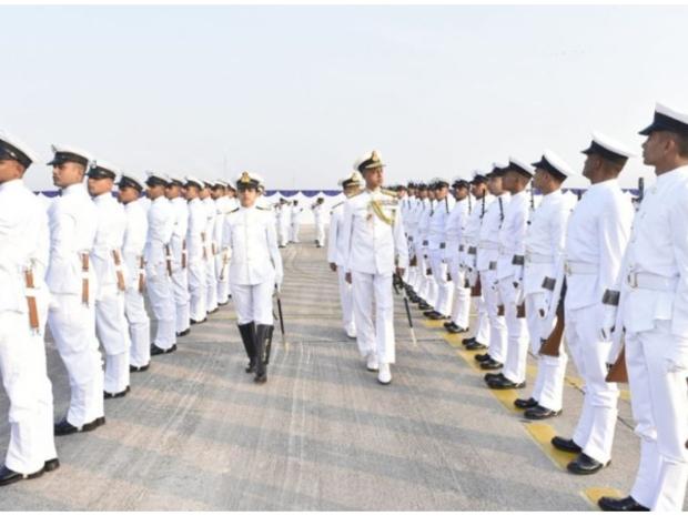 بعد هذه الواقعة.. البحرية الهندية تمنع استخدام فيسبوك بين أفرادها