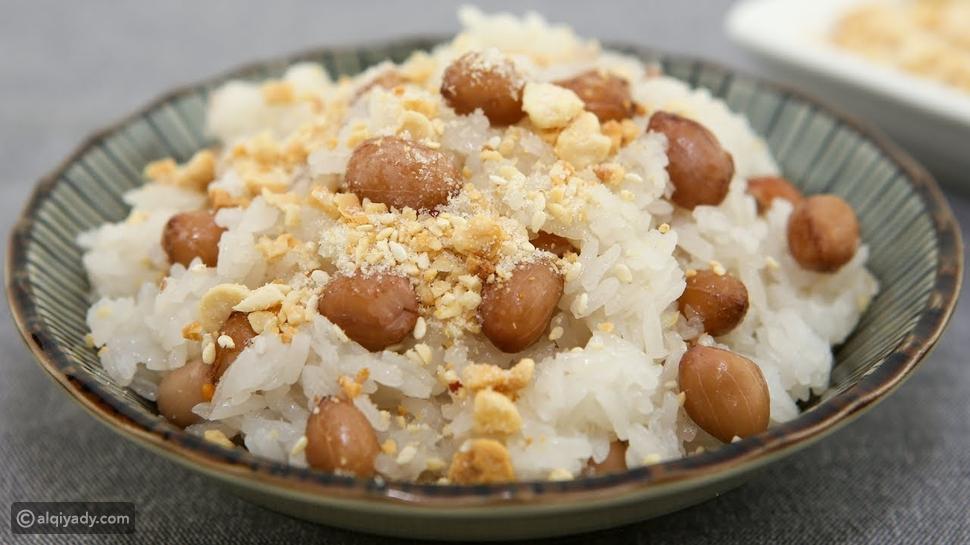 حلوى الأرز مع الزبيب وجبة خفيفة للتمارين الرياضية