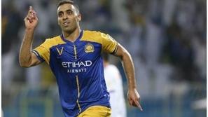 اللاعب المغربي حمد الله يتكفل بـ 1000 أسرة لمواجهة فيروس كورونا