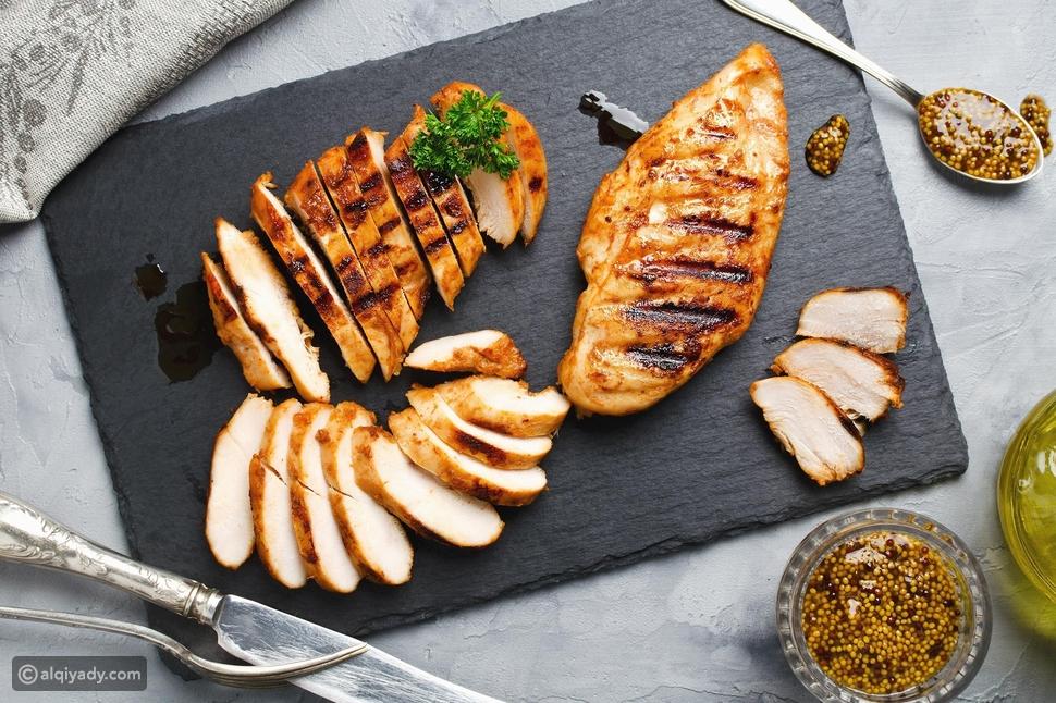 النظام الغذائي للاكتئاب: أطعمة يجب تناولها وأخرى تجنبها