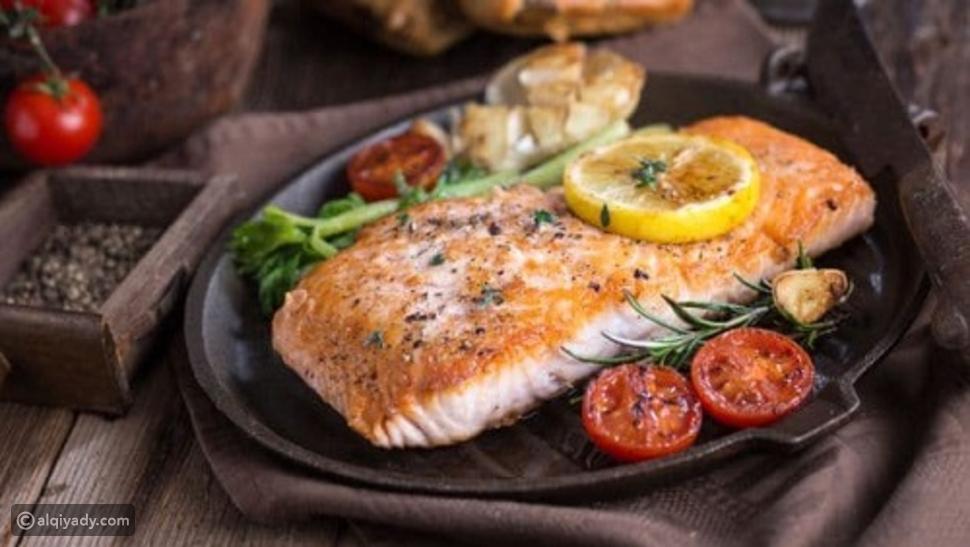 لماذا يجب أن تتجنب هذه الأطعمة على العشاء؟ وما الأكلات التي يُنصح بها؟