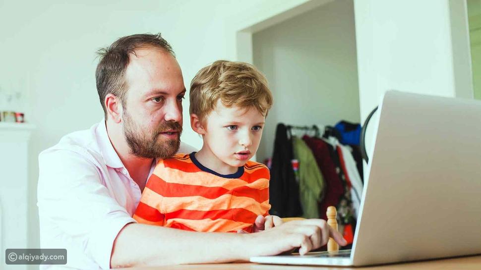 أبرزها غرف الدردشة: لا تدع أطفالك فريسة لمصيدة الإنترنت