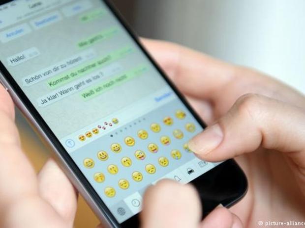صدمة للمراهقين: فئات عمرية لن تتمكن من استخدام واتسآب