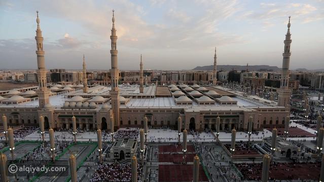 بعد فتح المساجد: السعودية تعلن موضوع أول خطبة