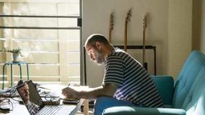 دليلك للحفاظ على نشاطك وتركيزك خلال العمل من المنزل
