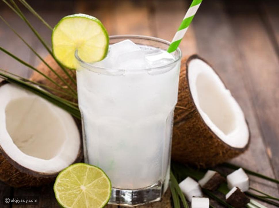 مشروبات تجعل الجسم رطباً طوال الوقت بجانب الماء