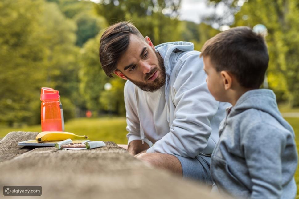 أخطاء الآباء أمام الأطفال