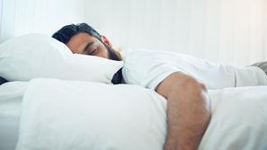 طرق بسيطة ستساعدك على الاستيقاظ لتناول وجبة السحور بدون مشقة