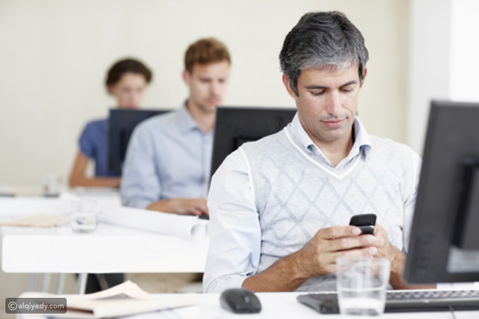 إدمان وسائل التواصل الاجتماعي