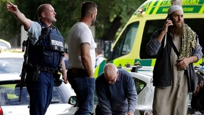 أرسله القدر.. كيف أنقذ عراقى نجله من الموت في حادث نيوزيلندا؟