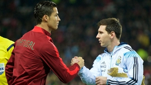 لاعب مغربي يتفوق على ميسي ورونالدو في هذه الاحصائية