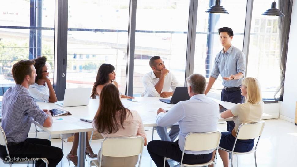 10 طرق ذكية لإدارة الأشخاص المتأخرين دائماً عن الاجتماعات