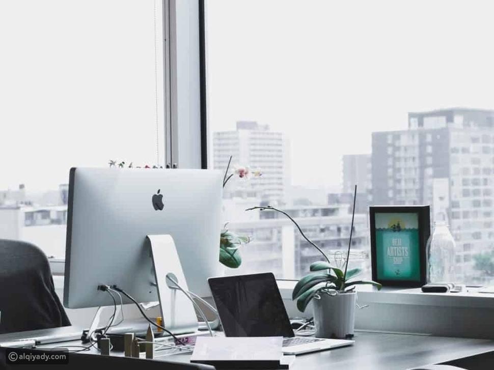 3 إصلاحات صغيرة ونتائج أكبر: كيف تعد مكتب منزلي متكامل؟