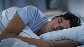 دراسة : النوم يعزز جهاز المناعة ويحارب نمو الخلايا السرطانية