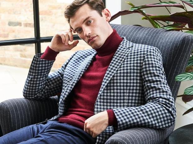 لشهر نوفمبر: إليك 7 مجموعات من الأزياء الرجالية المناسبة