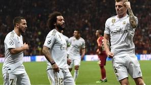 نجم ريال مدريد يكشف حقيقة إصابته بكورونا