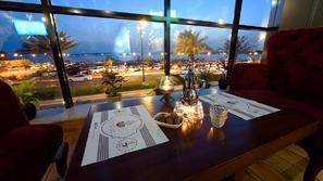هكذا تفاعل السعوديون مع قرار السماح بالموسيقي في المطاعم والمقاهي