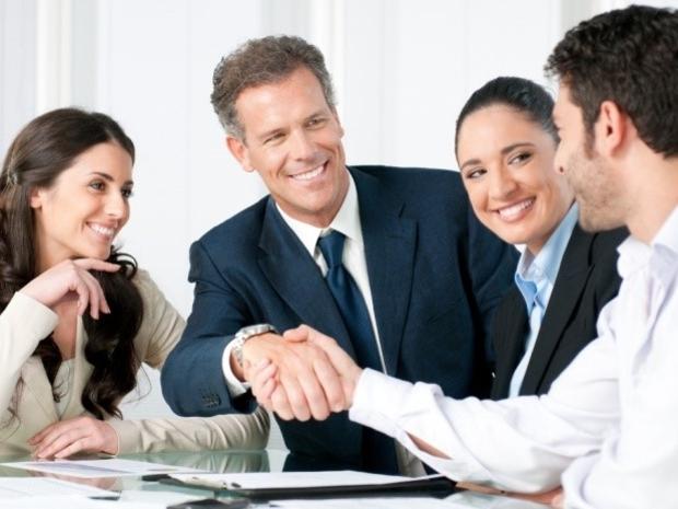 صاحب الأشخاص الجيدين فقط في المكتب