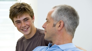 كيف تساعد أبنائك المراهقين للتغلب على مخاوفهم خلال فترة العزل المنزلي؟