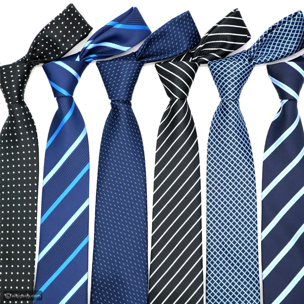 ربطة العنق والحزام قد يفسدان إطلالتك الرسمية فكيف يمكنك تجنب هذا؟