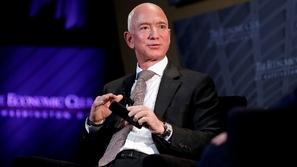 مؤسس أمازون يربح 13.2 مليار دولار في 15 دقيقة