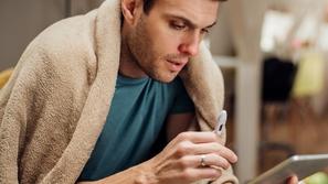 هل أنت مصاب بكورونا أم بنزلة برد عادية؟ هكذا تعرف الفارق بسهولة