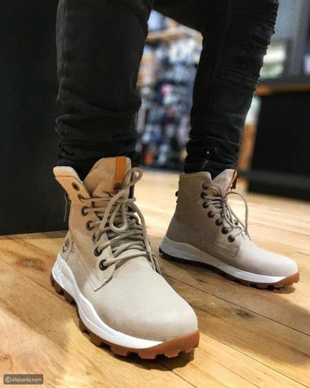 تصمد أمام اختبار الزمن: أنواع الأحذية الشتوية الرجالية لإطلالة دافئة