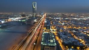 السعودية.. نمو القطاع الخاص لأعلى مستوى في 13 شهرًا