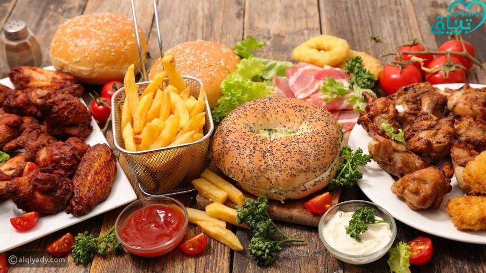اليوم العالمي للوجبات السريعة: أضرار صحية على أطباق جاهزة