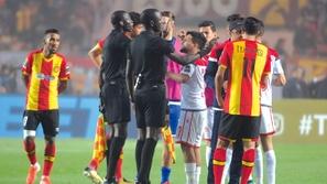 تقارير: إعادة مباراة نهائي أبطال أفريقيا في بلد محايد