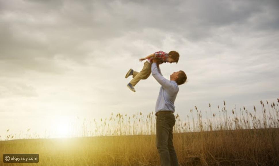 5 طرق لتنشئة الابن للتغلب على مخاوفه