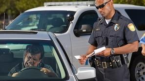 صورة: أغرب رخصة قيادة قد تشاهدها في حياتك.. إليك رد فعل الشرطة