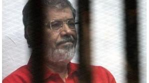 وفاة الرئيس المصري الأسبق محمد مرسي خلال محاكمته