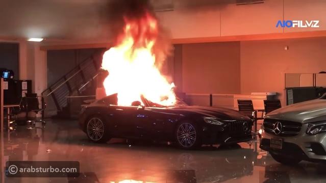 احتراق سيارات مرسيدس فاخرة بسبب احتجاجات أمريكا