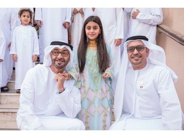 محمد بن زايد يزور طفلة لم تتمكن من السلام عليه 3