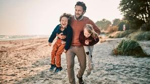 5 أشياء خطيرة يجب أن تدع أطفالك يفعلونها