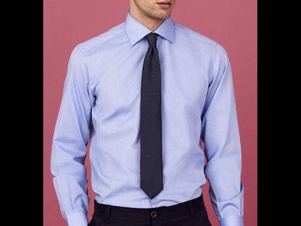 تجنب اختيار ربطة العنق بنفس لون القميص