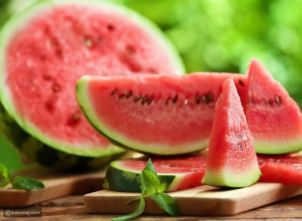 إليك ما يحدث لجسمك عند تناول البطيخ كل يوم
