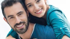 كيف تؤثر صحة الفم على خصوبة الرجال والنساء؟