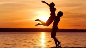 لعلاقة دائمة: 5 قيم أساسية حافظ عليها مع شريكتك